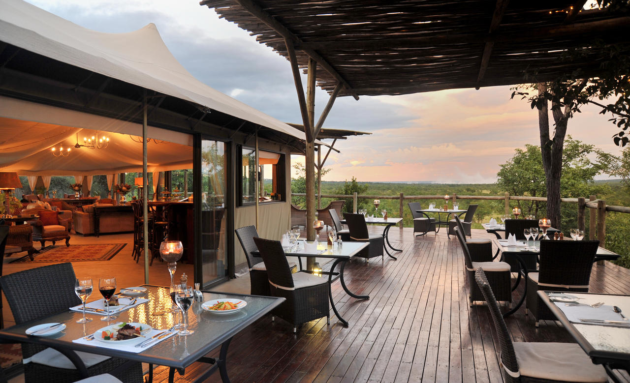 DINING view-to-victoria-falls