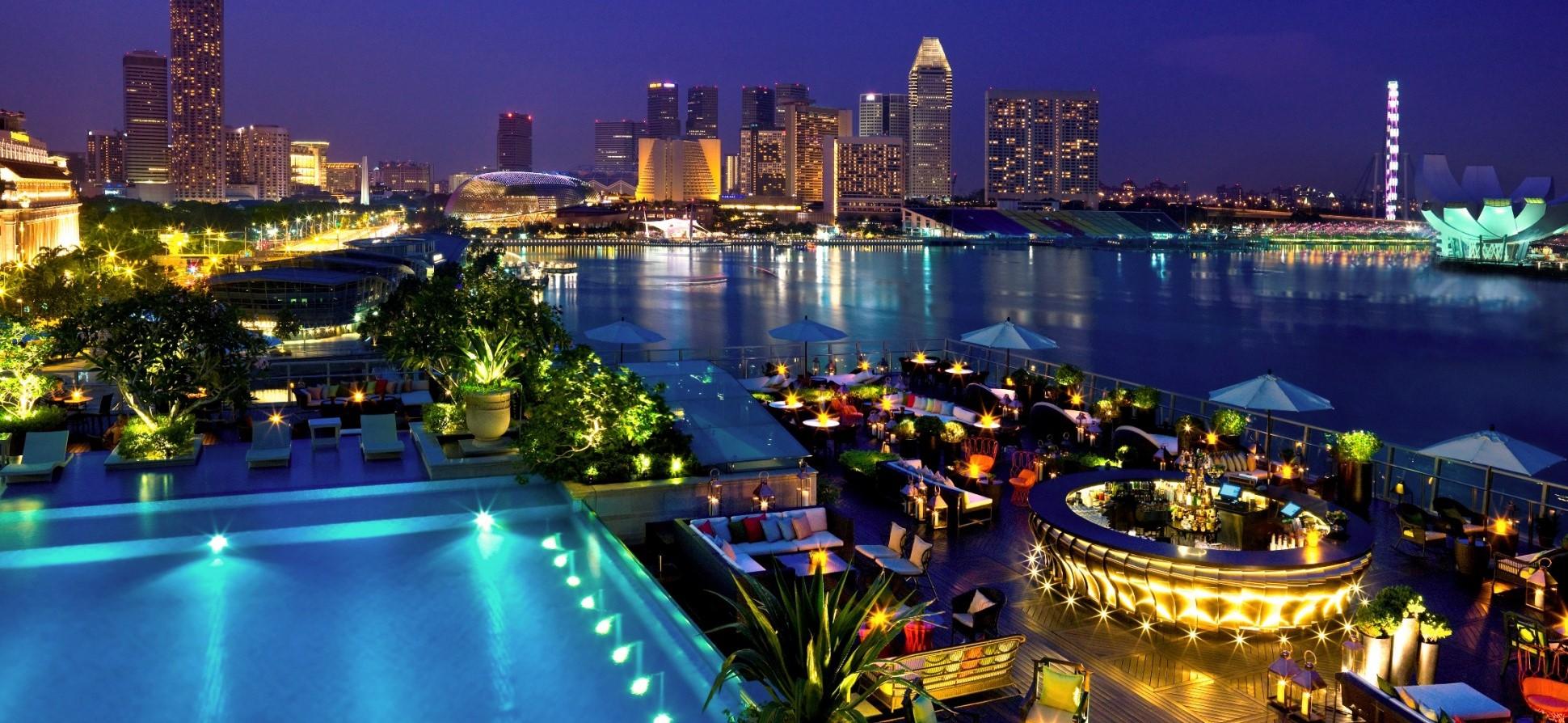 Lantern-III-The-Fullerton-Bay-Hotel-Singapore - Crop
