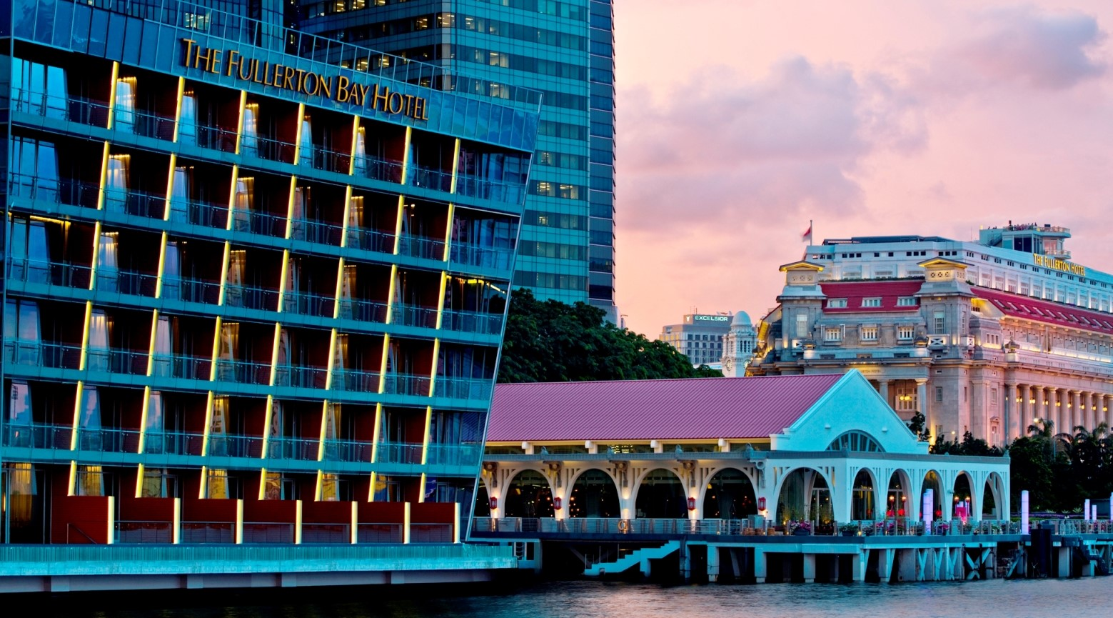 Waterfront-view-of-The-Fullerton-Bay-Hotel-Singapore - Crop