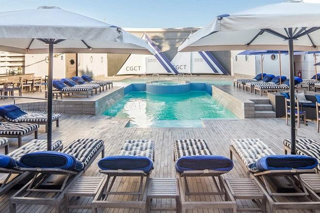 cape-grace-hotel-pool