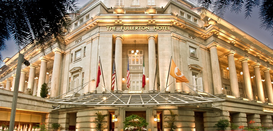 The_Fullerton_Hotel_Singapore_-_Entrancebc68d0
