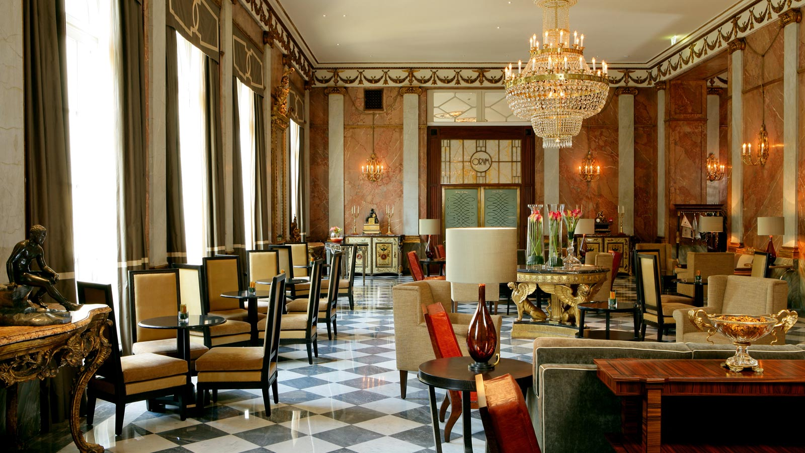 The_Westin_Excelsior_Rome_lobby_detail