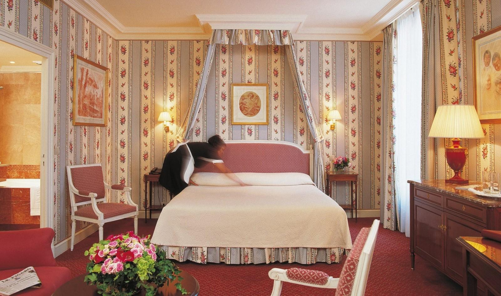 VPH King-Bedded Junior Suite - Crop